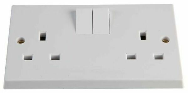 PATTRESS 2 GANG TWIN SWITCHED SOCKET VX1500//D