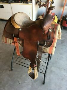 Courts' Roping Saddle 15in