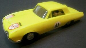 Vintage-1960s-Eldon-1-32-Scale-Yellow-Ford-Thunderbird-T-Bird-Slot-Car-No-Res