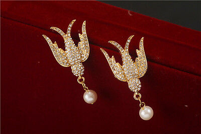 E853 Betsey Johnson Rhinestone Crystal Pigeon Bird Swallow w/ Pearl Earrings