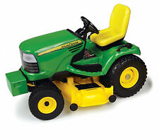 NEW! 1:32 ERTL *JOHN DEERE* Riding Lawn Mower *NEW!*