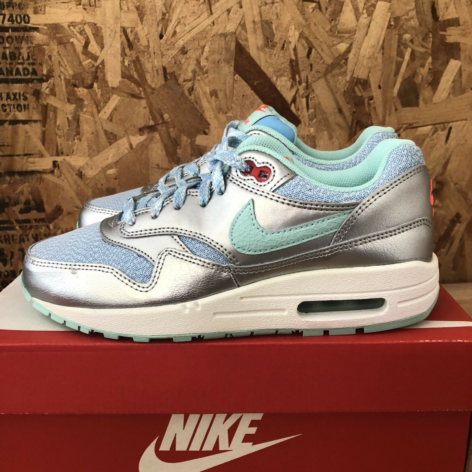Nike Air Max 1 (GS) Youth - Metallic Silver  bluee  Turquoise - 5Y New 653653-401
