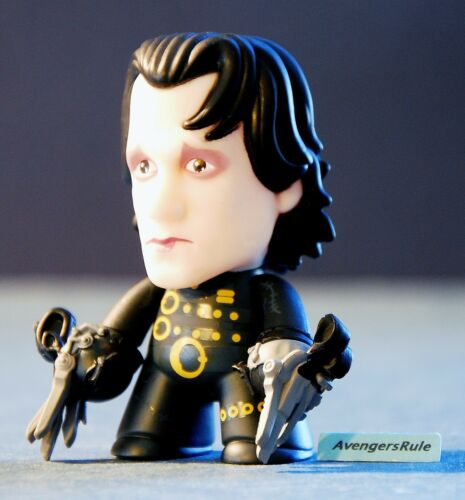 Edward Scissorhands I'm Not Finished Collection Titans Vinyl Figures Short Hair