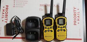 MOTOROLA-Talkabout-MS350R-35-Mile-Waterproof-2-Way-Radio-Walkie-Talkie-PAIR