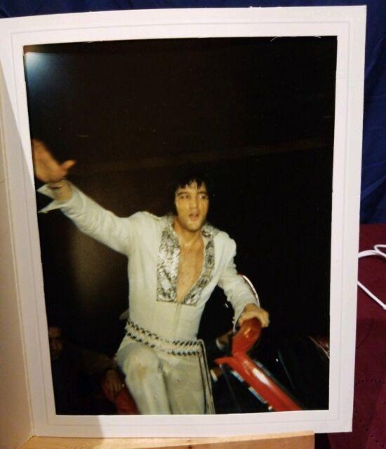 ELVIS PRESLEY Houston TEXAS 1956 Photo 8x10 CITY AUDITORIUM Backstage 001