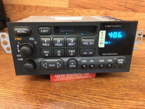 Mint Chevy Camaro AM//FM//Cassette Tape Radio 1998-2002 Changer Controls OEM