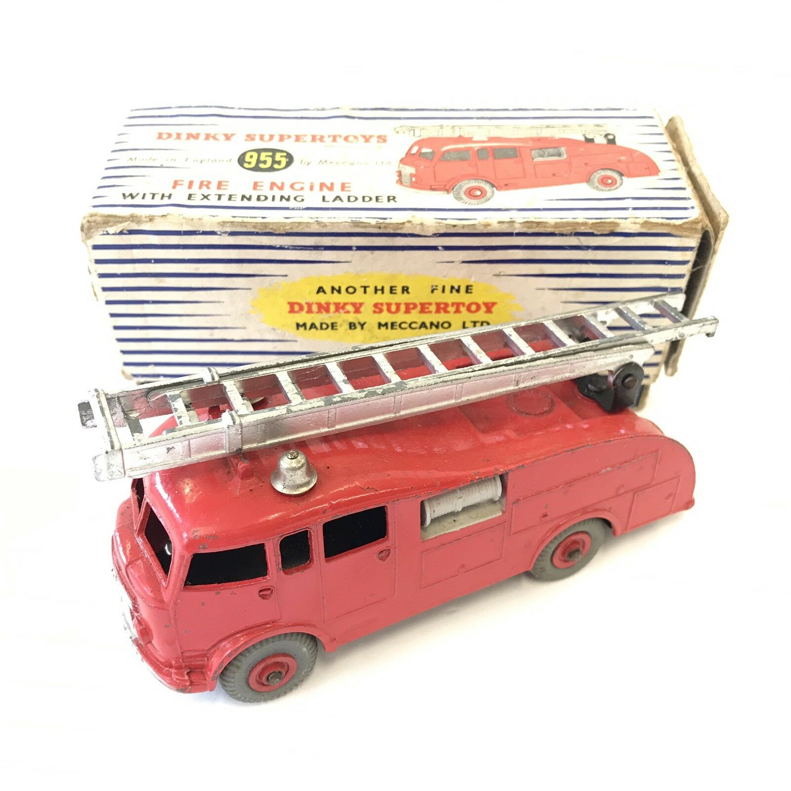 Vintage Dinky Supertoys Toys Fire Engine With Extending Ladder No. 955 Boxed