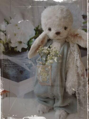 Mohair//Viscose Rabbit Pattern 7 inch