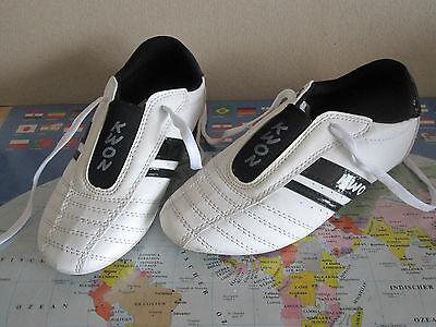 weiße TKD Schuhe DynamicW von KWON, Taekwondo Kampfsport Hallenschuhe Gr.35