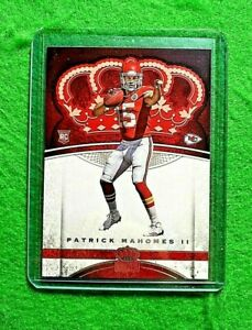 PATRICK-MAHOMES-CROWN-ROYALE-ROOKIE-CARD-JERSEY-15-CHIEFS-2017-PANINI-PREFERED