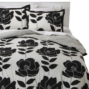 Room Essentials Poppy Reversible Comforter Set Ebay