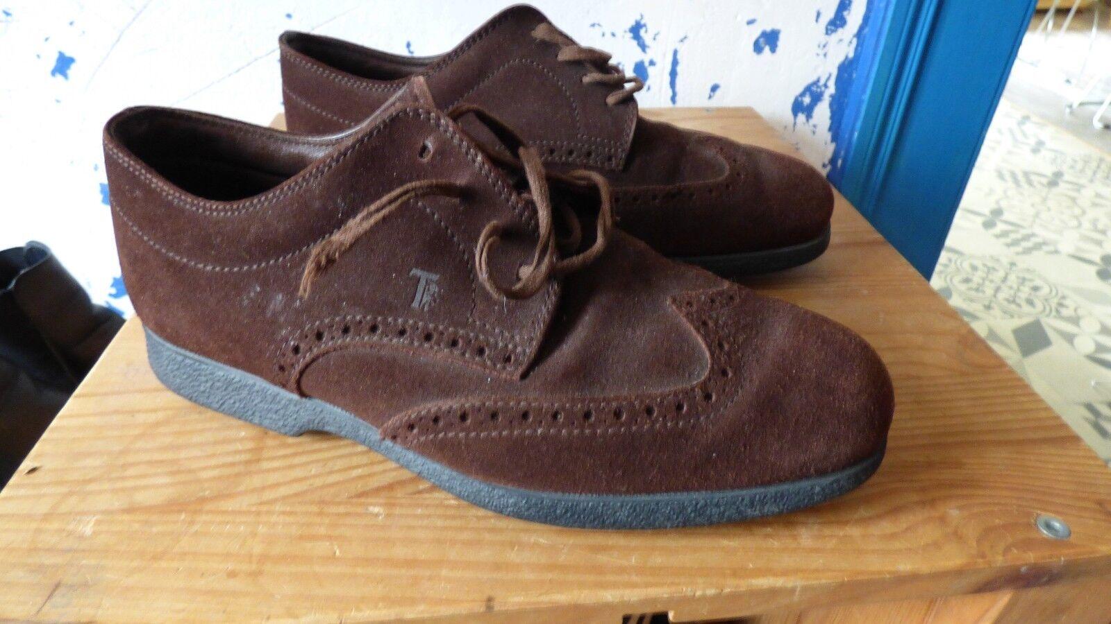 zapatos Tod's en daim  bon état  8.5 marrón homme