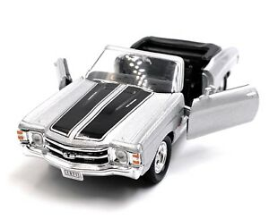 1971-Chevrolet-Chevelle-Ss-454-Silver-Model-Car-Car-Scale-1-3-4-Licensed