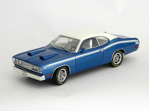 1971 Plymouth Duster BLUE 1:18 Ertl American Muscle 33078