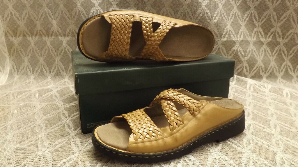 NIB Clarks Sandstone Brown Leather Weave BAJA Slides Sandals  sz 10 N
