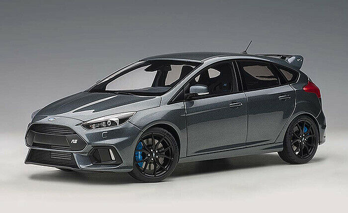 1 18 Autoart 2016 Ford Focus RS stealth grå A72954