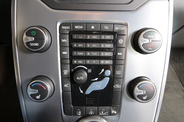 Volvo V70 2,4 D4 181 Black Line aut. AWD