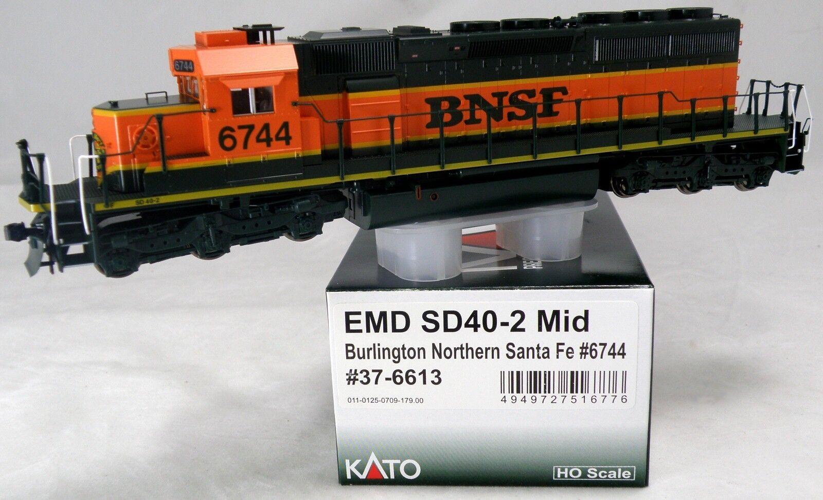 HO Scale EMD SD40-2 Mid Locomotive - BNSF (Heritage I) Kato