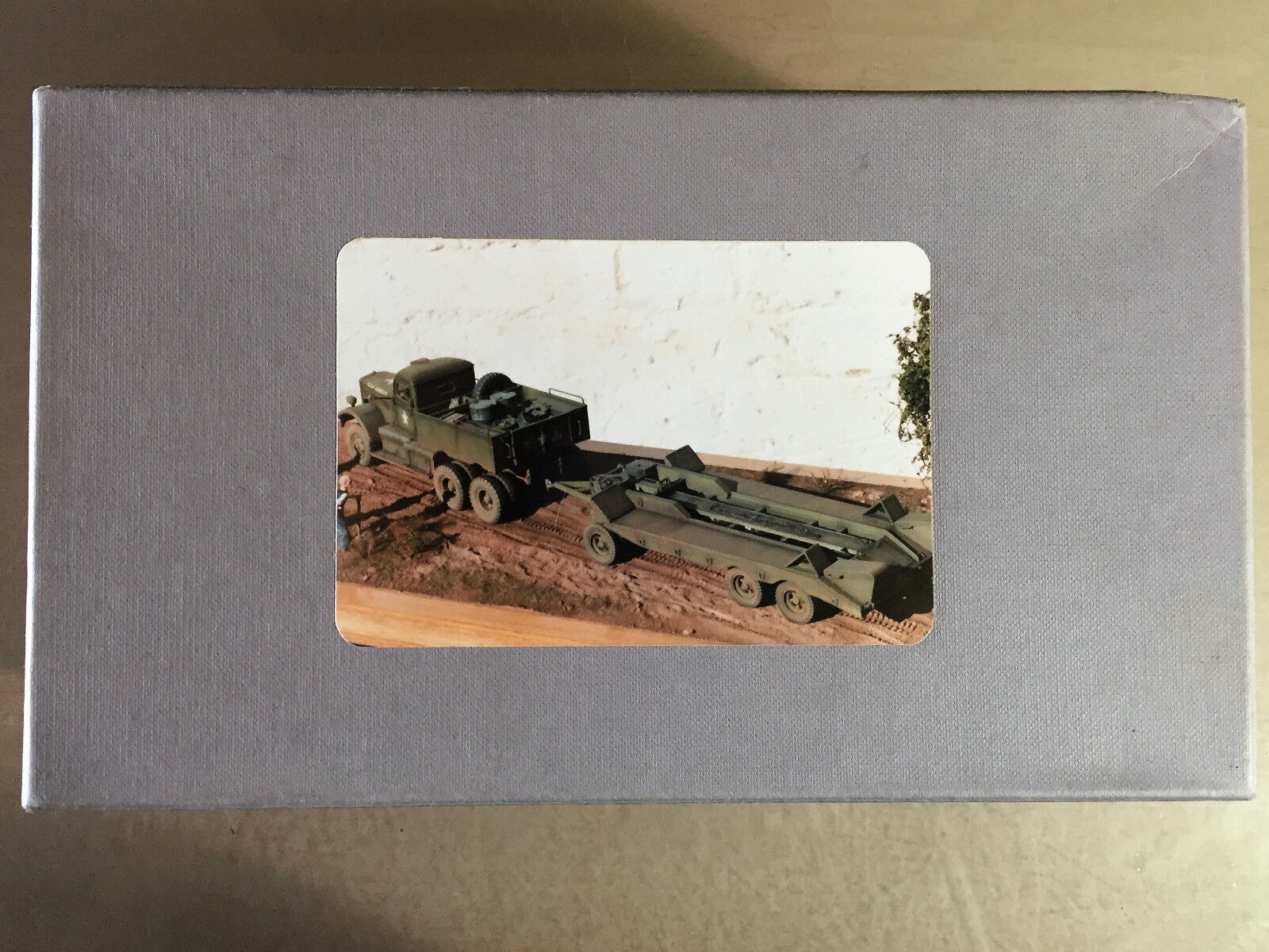 S.M.A SCALE MODEL ACCESSORIES SMAV129 - DIAMOND T HEAVY  LORRY - 1 35 RESIN  confortablement