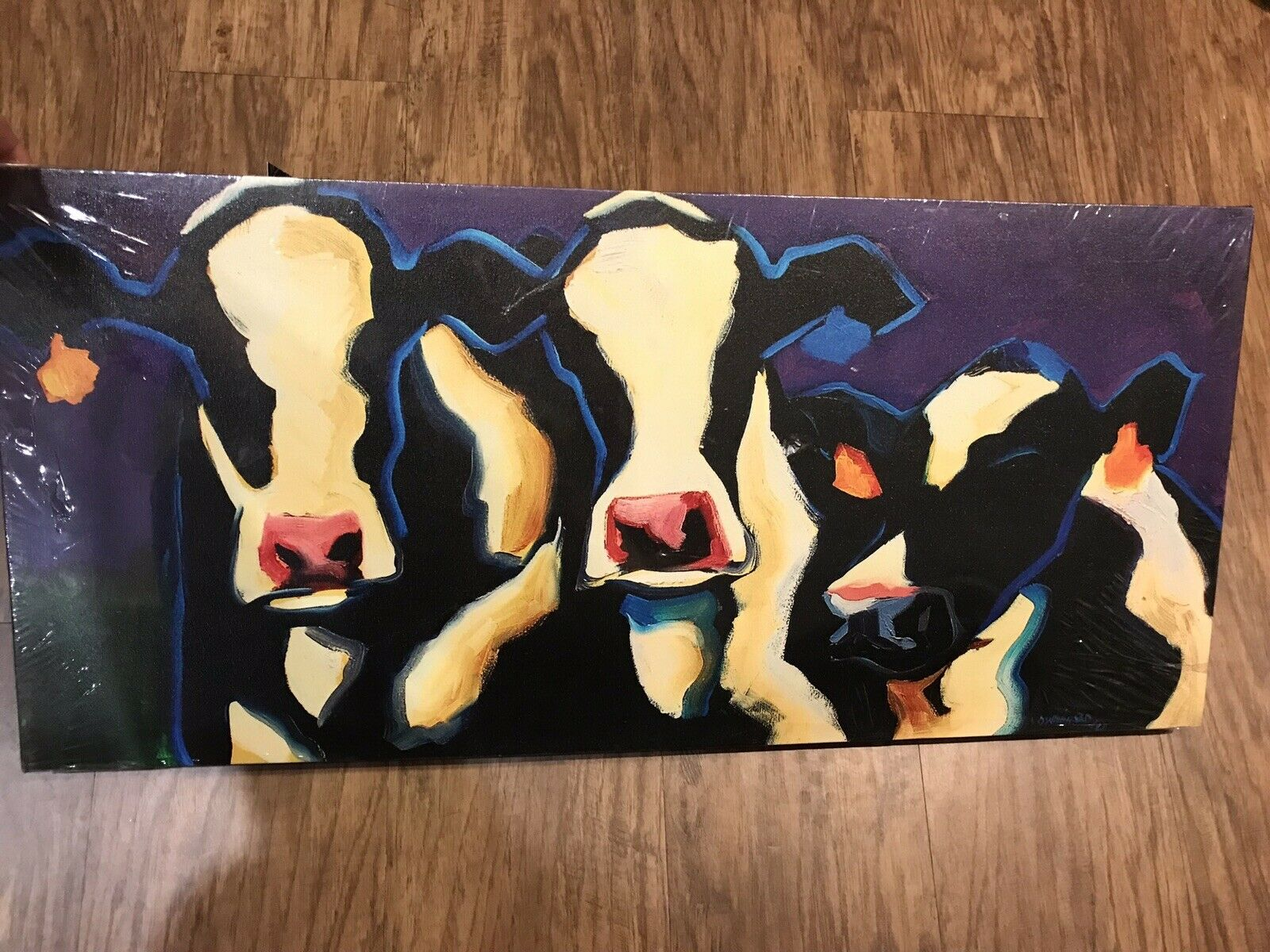 Creative Co-op Wood Stretched Canvas Cow Wall Art Diane Weißhead lila Print
