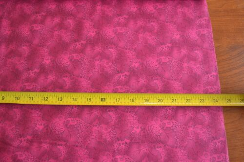 Hot-Pink Quilting Cotton By 1//2 Yd RJR//Jinny Beyer Palette//0498-11 B758