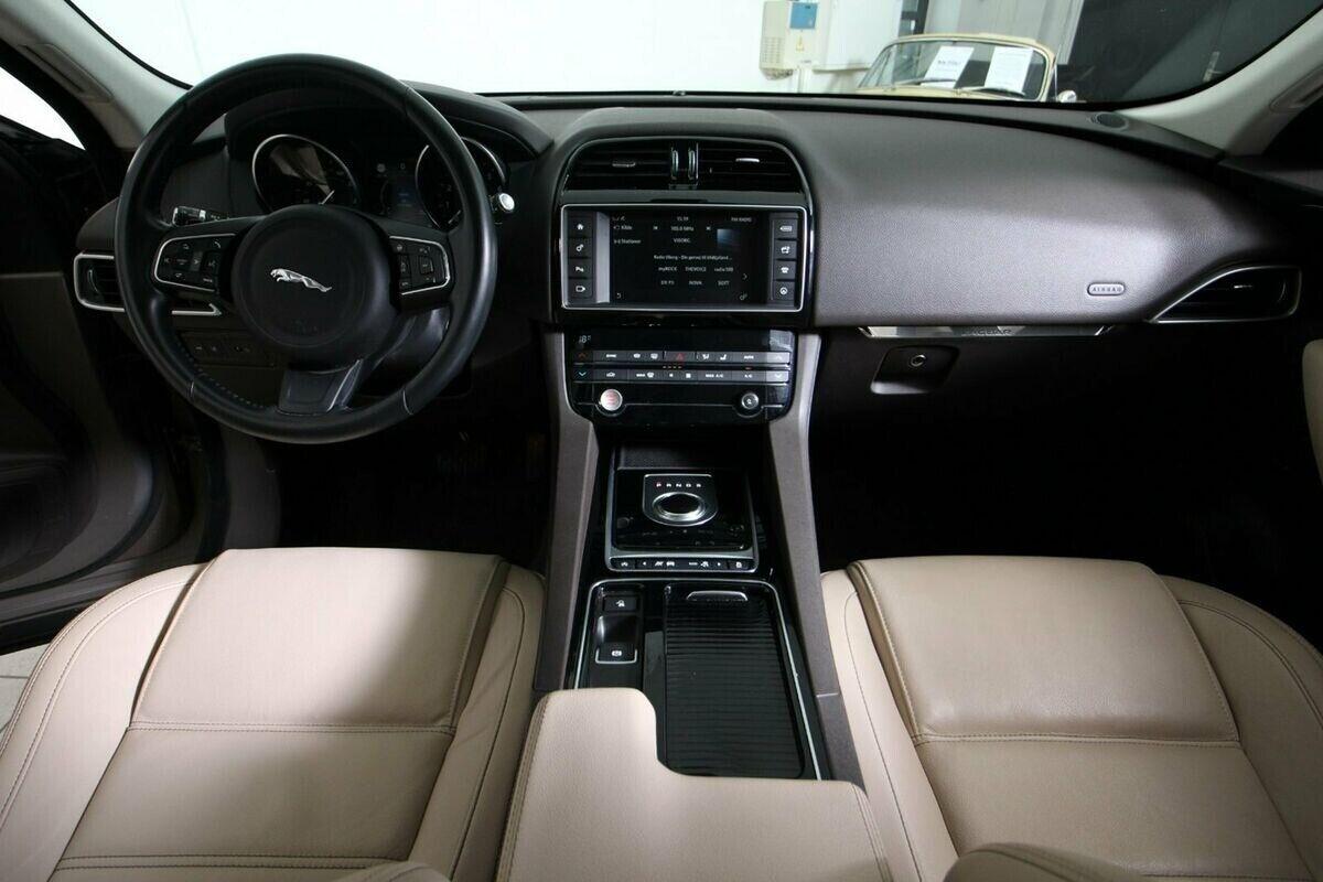 Jaguar F-Pace 3,0 P340 Prestige aut. AWD