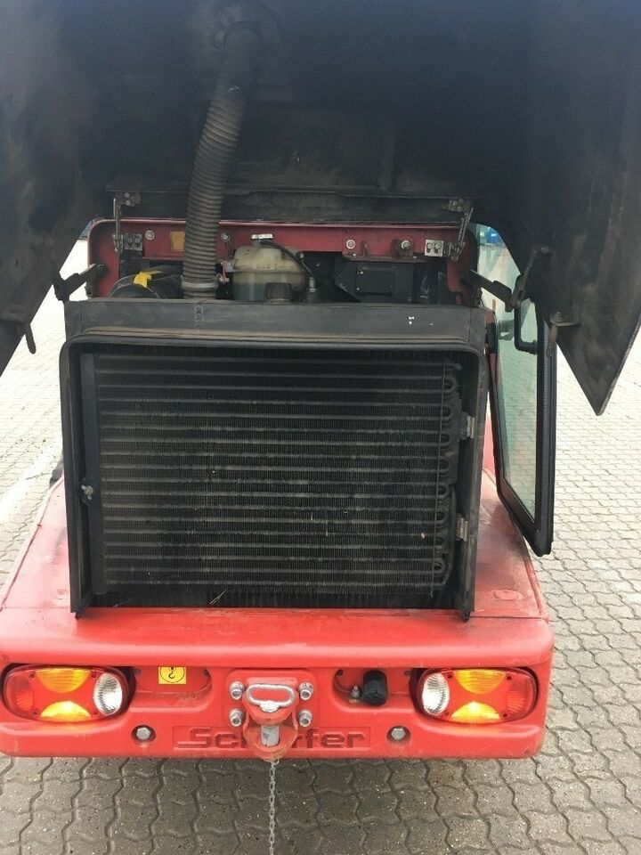 Andet, Schäffer 5370Z med tryk-kabine.