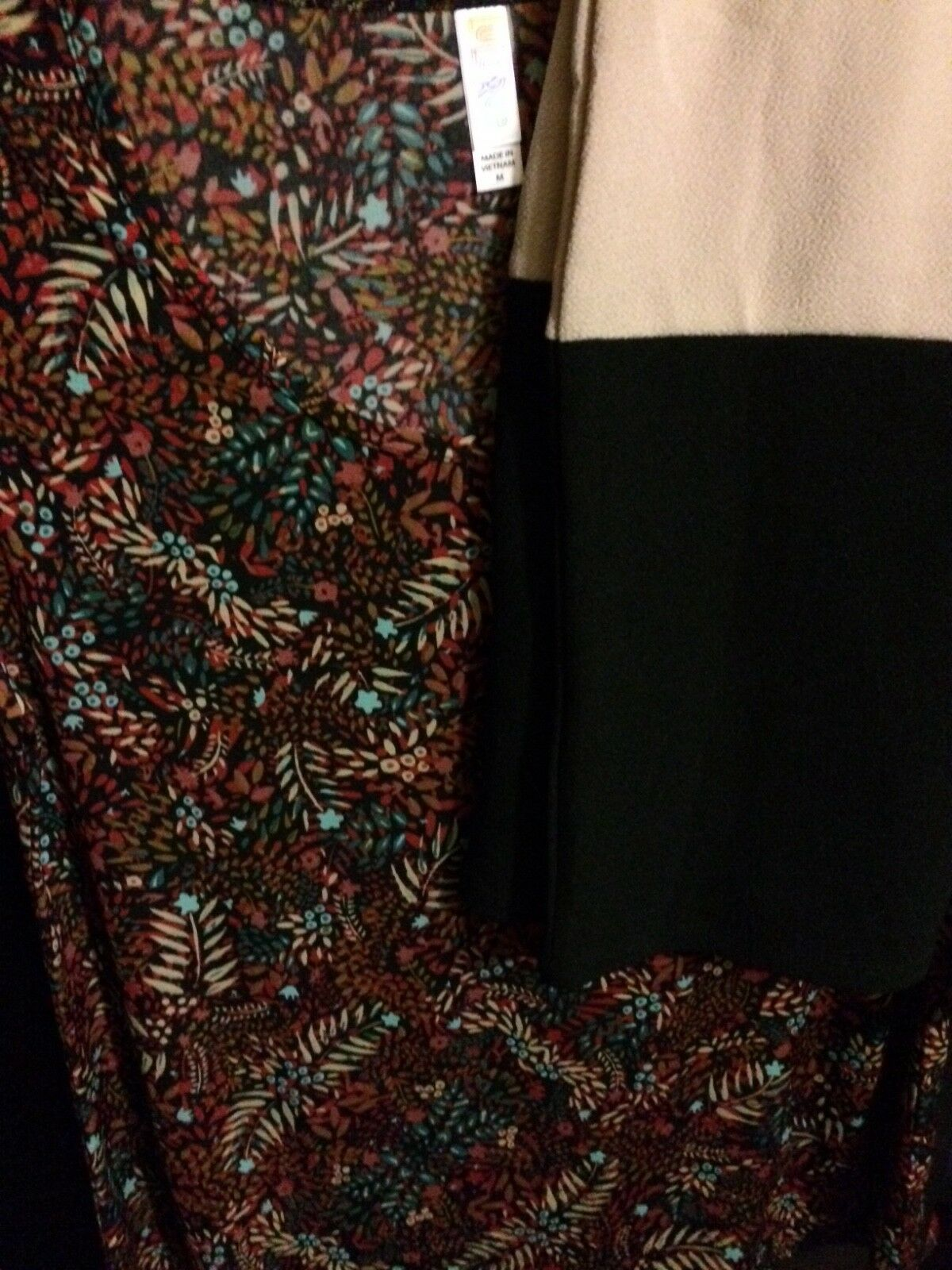 NWT Lularoe Classic T and Cassie size M