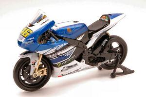 Yamaha-Monster-2013-YZR-M1-Valentino-Rossi-2013-46-Moto-GP-1-12-Model-57583