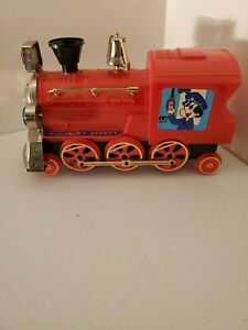 With-Smokey-Effect-Oil-Toy-Red-Train