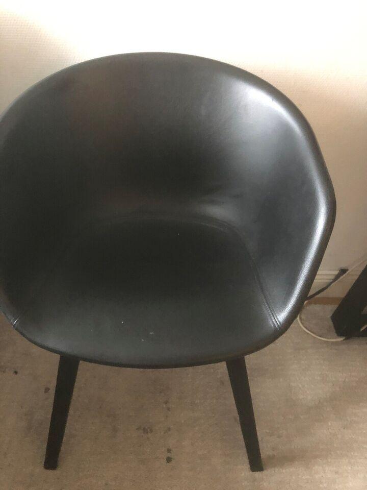 Stol-på-stol, Hay