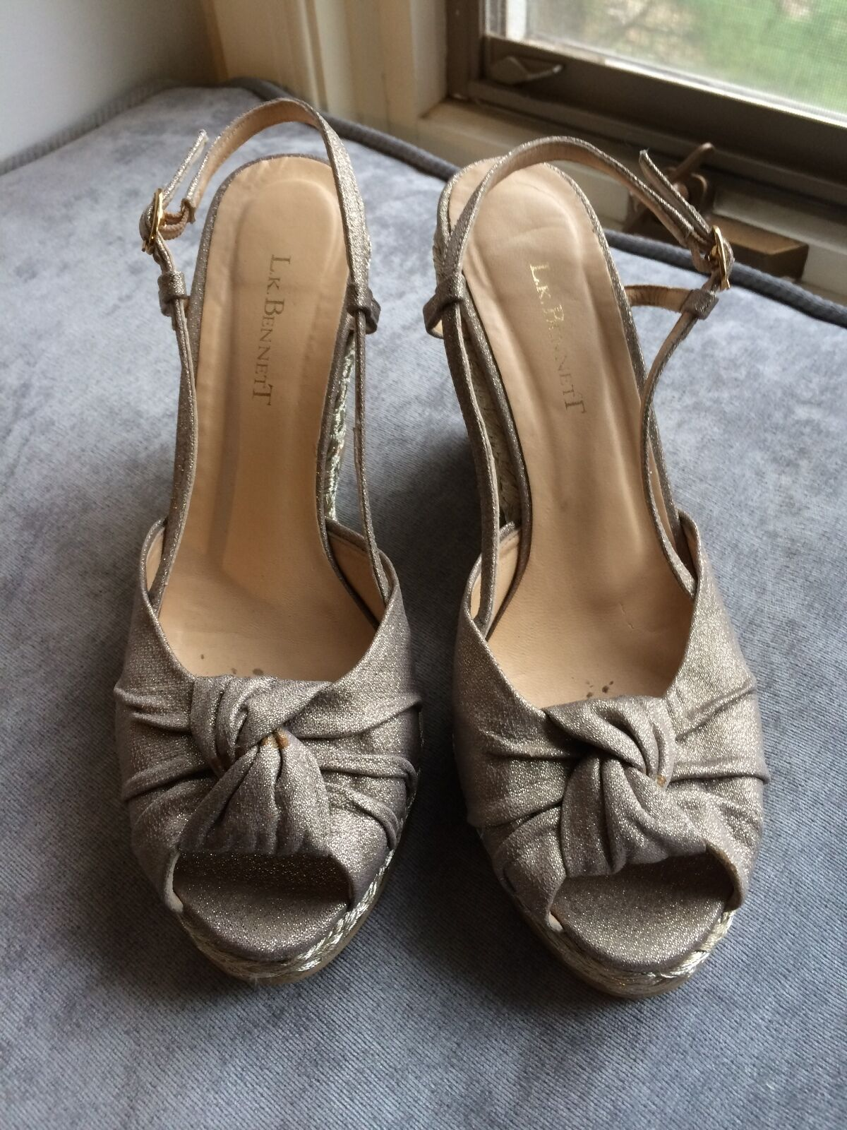 L WEDGE K BENNETT METALLIC GOLD WEDGE L SANDALS GREAT CONDITION 3263a3