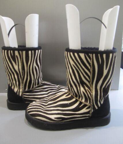 UGG AUSTRALIA CLASSIC SHORT EXOTIC ZEBRA BOOTS 8 W