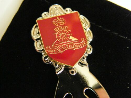 THE ROYAL ARTILLERY BADGE CRESTED BOOKMARK ARMY MILITARY BOOK GIFT IN POUCH
