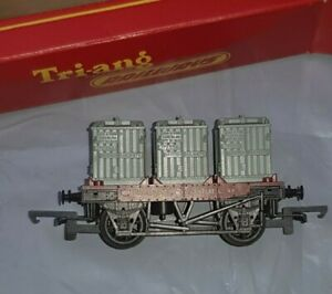 OO gauge TRIANG R340 BR FLAT WAGON B734259 & THREE CONTAINERS LOAD BOXED