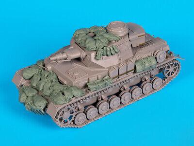 1//35 Resin WWII German Tank IV Stowage Set Unpainted QJ149