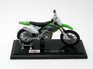 Modelo-1-18-moto-Kawasaki-KX-250-f-2004-verde-Weiss-maisto-39300