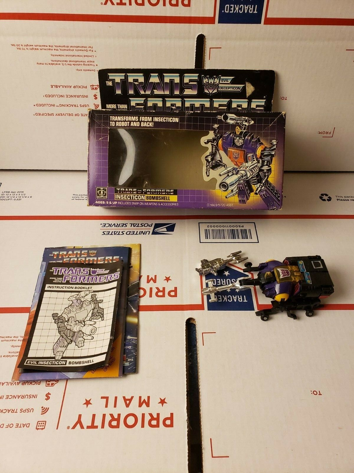 Hasbro Transformers G1 Insecticon Bombshell w Extras