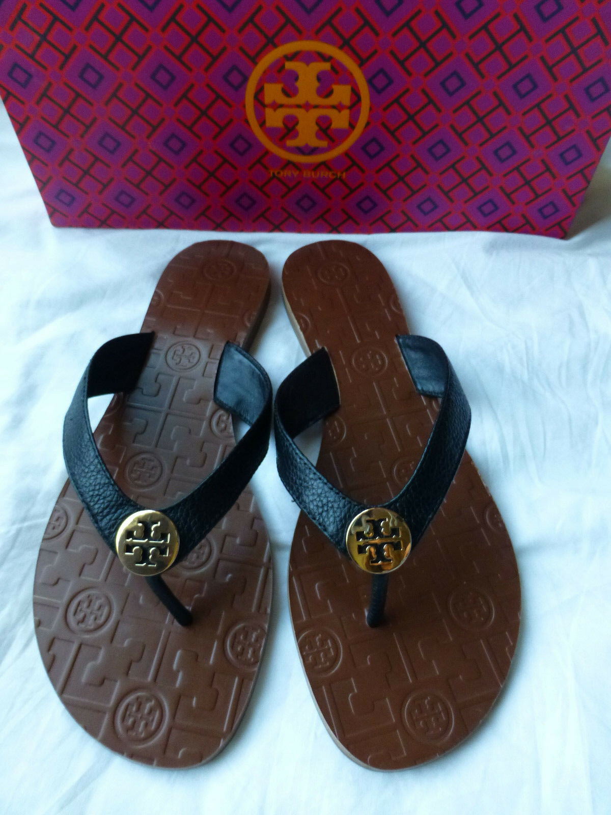 TORY BURCH Thora Black gold Logo Tumbled Leather Size 9 New