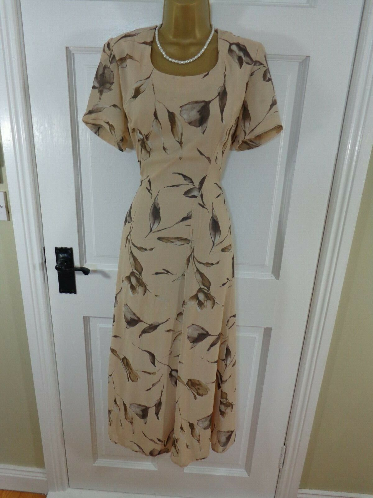 Jacques green Cream   Beige Floral Lined Dress, Excellent Condition