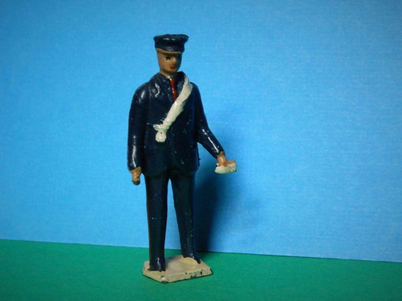 BARRETT & SON LONDON VINTAGE 1950s RARE LEAD POSTMAN WITH LETTER IN HAND