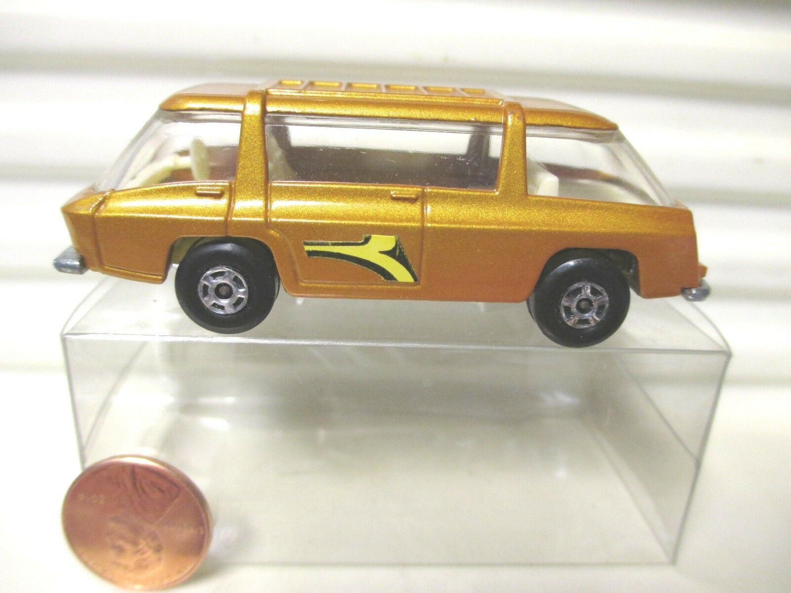 LESNEY MATCHBOX MB22B Lite or Freeman Commuter wlbls Unpaintd base Comme neuf pvcbox