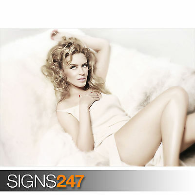 1174 KYLIE MINOGUE ON FUR Photo Picture Poster Print Art A0 A1 A2 A3 A4