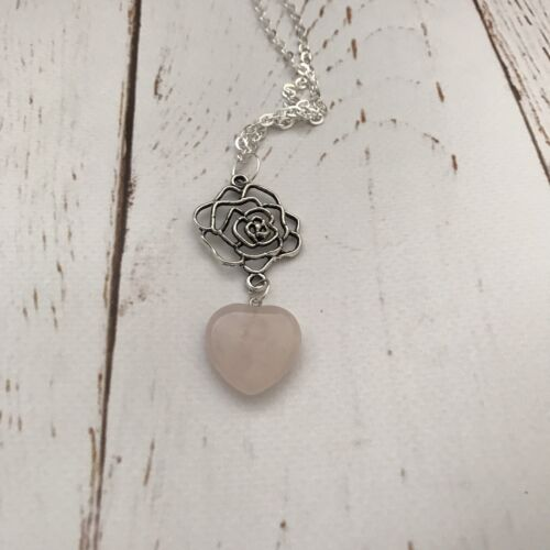 """Margery/'s Rose Yorkshire Quartz Heart Healing Love Game Thrones Necklace 24/"""""""