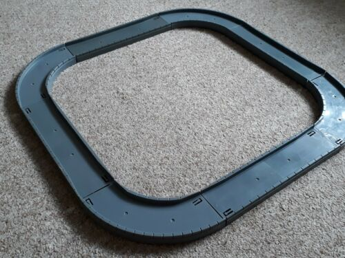 8 sections de Grey Road. Tomy Trackmaster Road /& Rail motorisé RAILWAY
