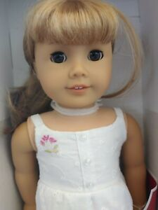 American-Girl-Gwen-Doll-18-034-NRFB-Friend-of-Chrissa-2009-Doll-of-the-Year