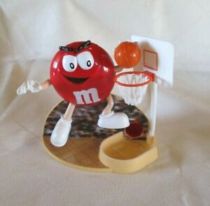 M-amp-M-S-1999-Red-Basketball-Player-Dispenser-Hasbro-Collectable-VGC