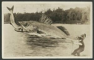 Photocraft-2172-c-1914-RPPC-Exaggerated-Photo-Postcard-GIANT-FISH-EATING-BIG-ONE