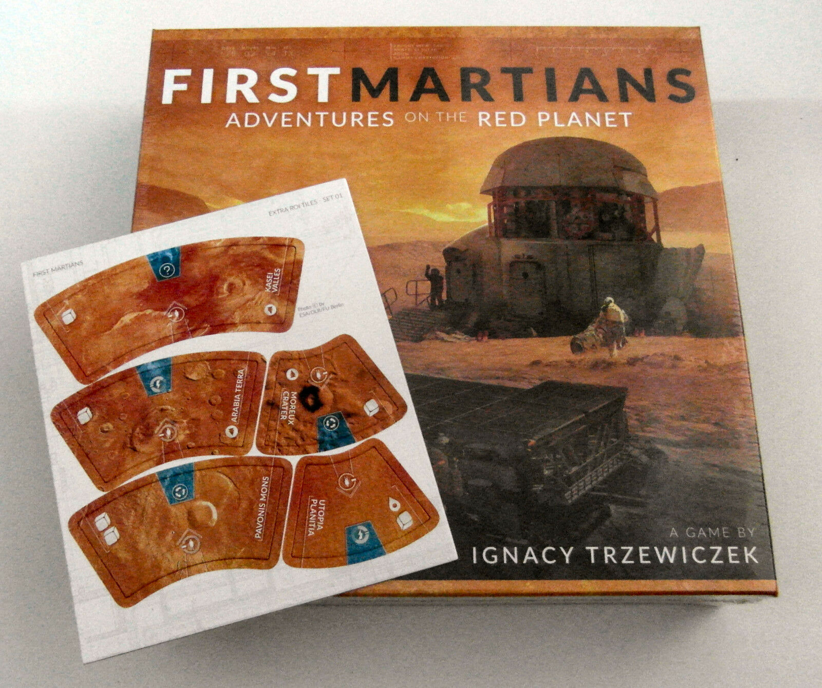 First Martians  Adventures on the Red Planet + Extra ROI Tiles - Portal Games