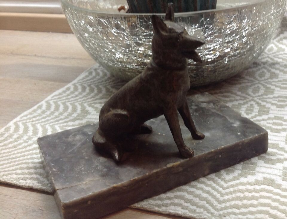 Messing, Brev holder m Hund